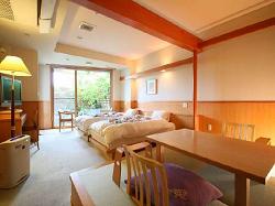 itoyanagi-room2.png
